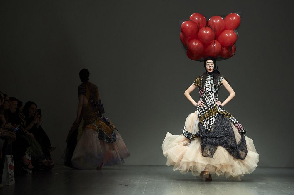 Tydzień mody w Londynie, pokaz Matty Bovan