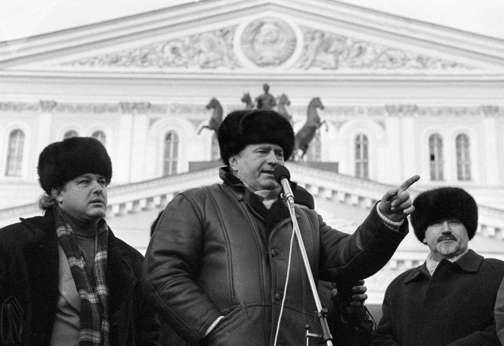 Władimir Żyrinowski na mitingu wyborczym