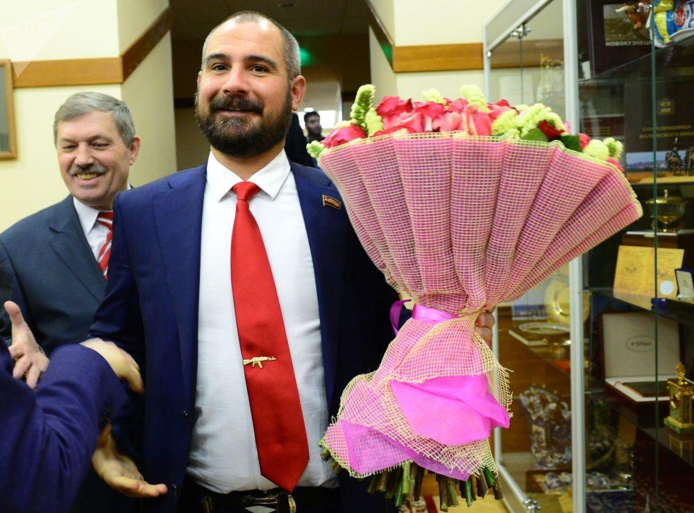 Kandydat na prezydenta Rosji od partii komunistycznej Komuniści Rosji Maksim Surajkin przed spotkaniem z przewodniczącą Centralnej Komisji Wyborczej Rosji Ełłą Pamfiłową