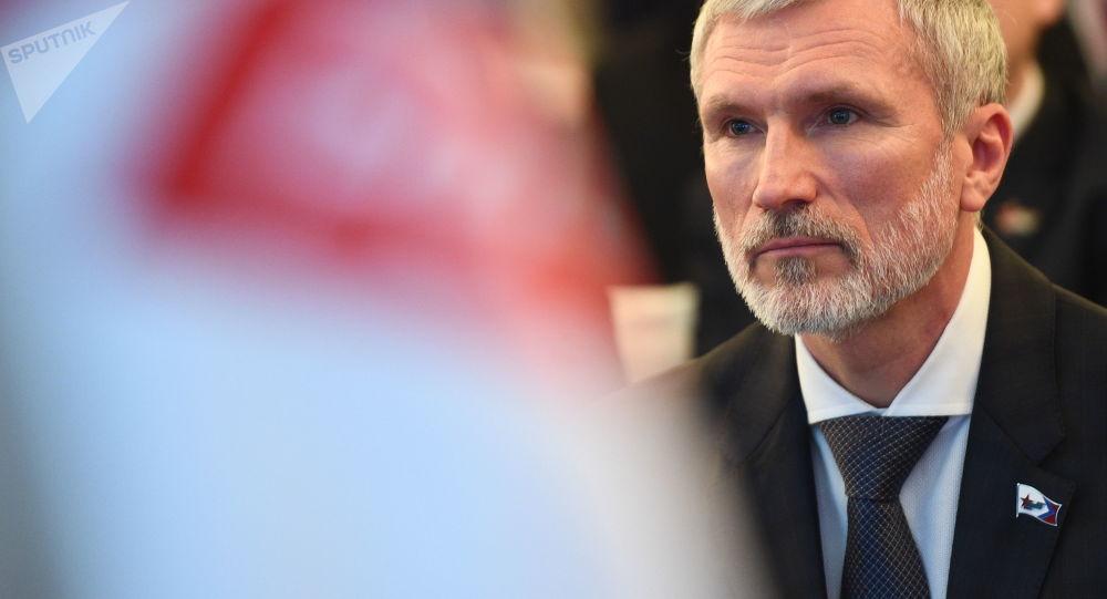 """Lider partii politycznej """"Rodina"""" Aleksiej Żurawlow na kongresie partii w Moskwie"""
