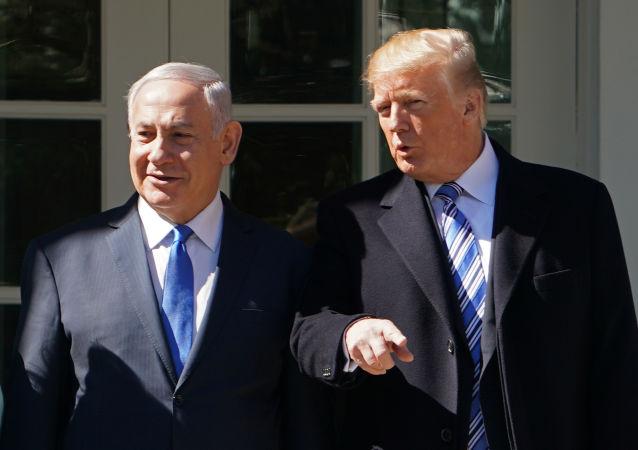 Premier Izraela Binjamin Netanjahu i prezydent USA Donald Trump na spotkaniu w Waszyngtonie