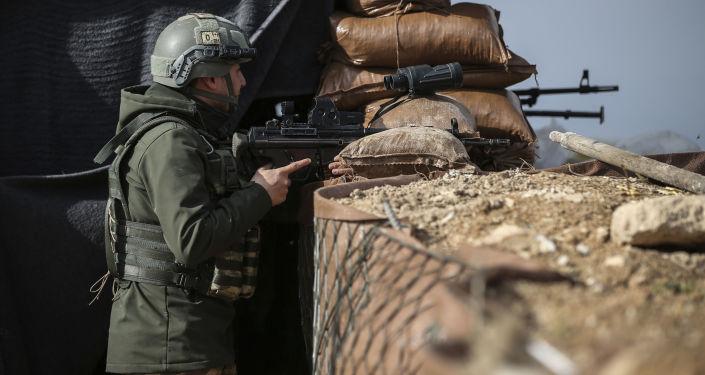 Turecki żołnierz, okolice Afrinu