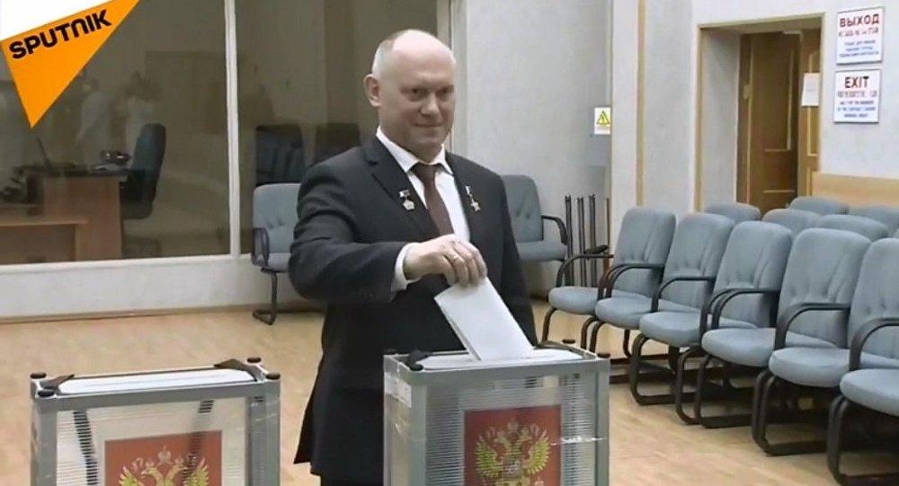 Głosowanie kosmonautów