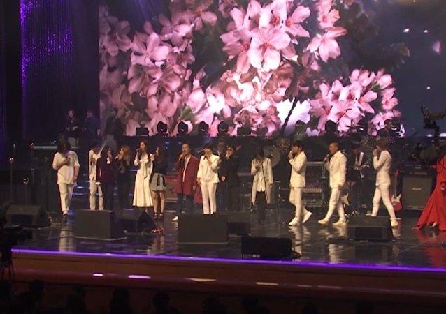 Kim Dzong Un z żoną na koncercie