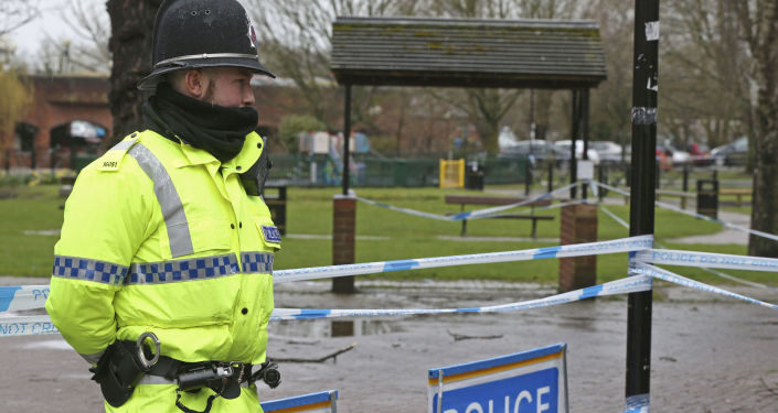 Kordon policyjny w Salisbury na miejscu, gdzie znaleziono otrutych Skripalów