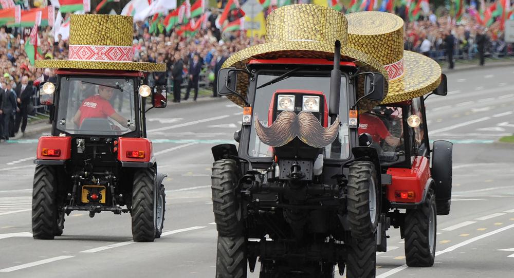 Defilada Niepodległości na Białorusi, traktorzyści