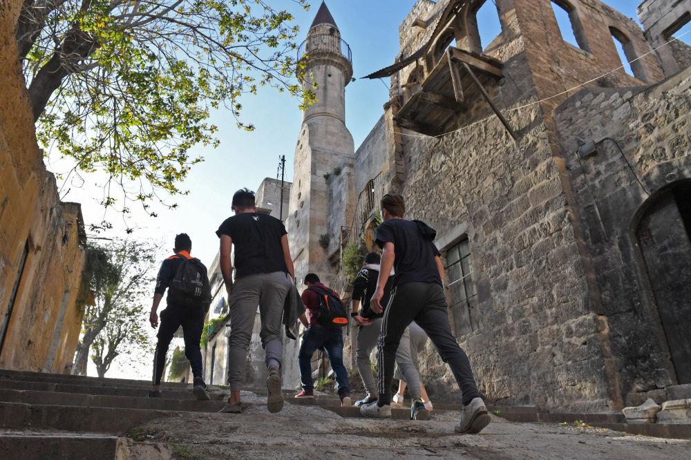 Młodzież w Aleppo, Syria