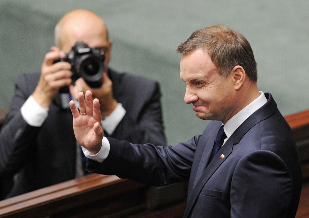 Prezydent Polski Andrzej Duda wita Zgromadzenie Narodowe po ceremonii zaprzysiężenia w Warszawie