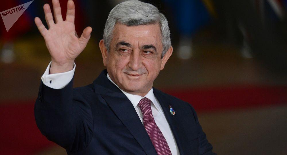Prezydent Armenii Serż Sarkisjan przed rozpoczęciem 5 szczytu Partnerstwa Wschodniego w Brukseli