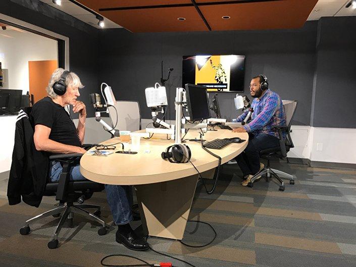 Roger Waters w siedzibie radia Sputnik, Waszyngton