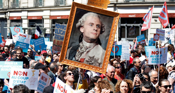 Demonstracja przeciwko Macronowi w Paryżu