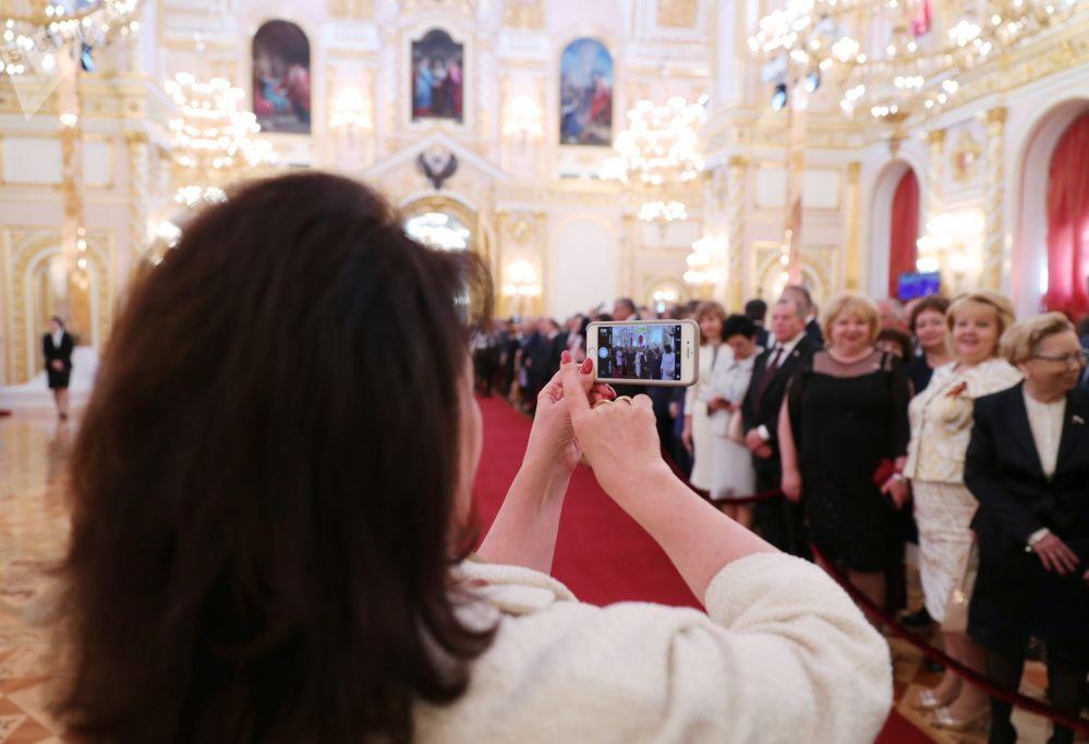 Goście na ceremonii inauguracji prezydenta Rosji Władimira Putina w Wielkim Pałacu Kremlowskim