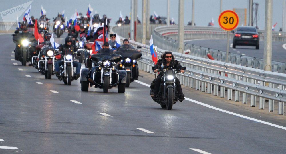 Otwarcie jezdni Mostu Krymskiego