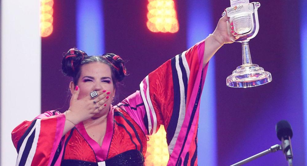 """Piosenkarka Netta Barzilai z Izraela, która wygrała finał międzynarodowego konkursu """"Eurowizja-2018"""""""