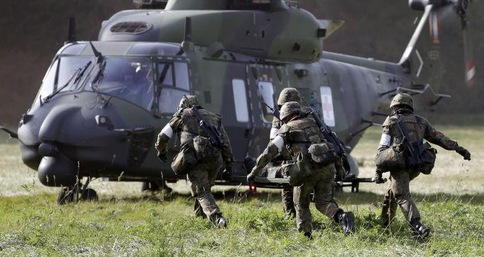 Niemieccy żołnierze w trakcie ćwiczeń