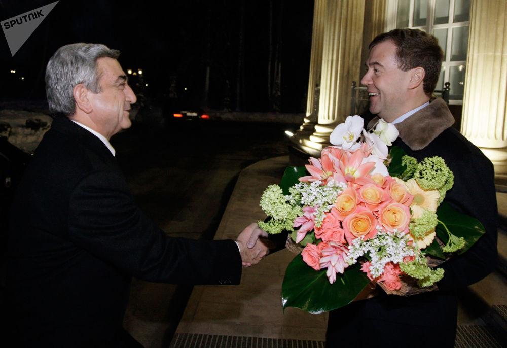 Prezydent Rosji Dmitrij Miedwiediew podczas spotkania z prezydentem Armenii, 2010 rok