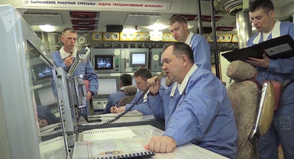 Załoga krążownika podwodnego Jurij Dołgorukij, z którego odpalono Buławy w kierunku poligonu Kura