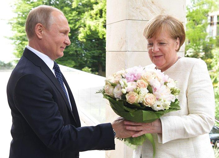 Spotkanie prezydenta Rosji Władimira Putina i kanclerz Niemiec Angeli Merkel w Soczi