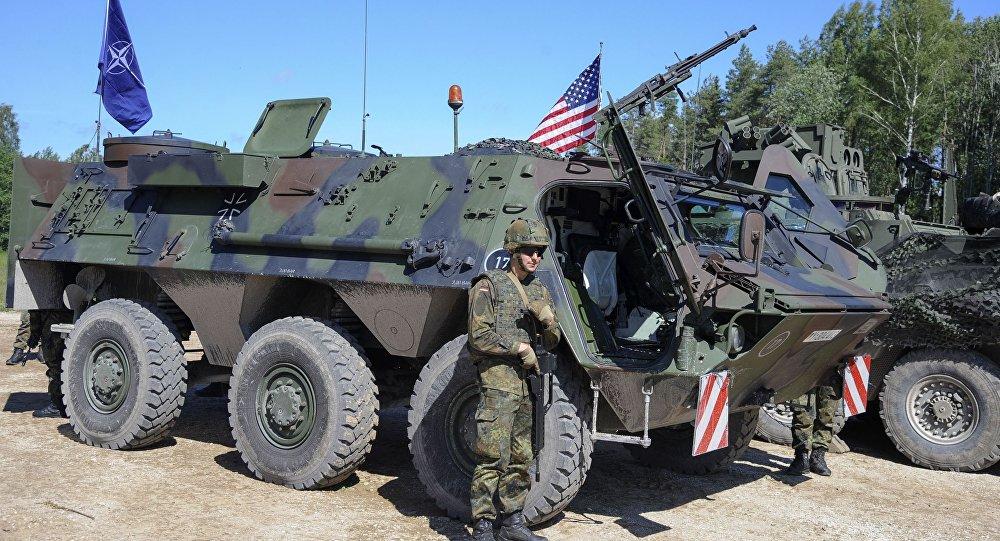Amerykańscy żołnierze na manewrach Saber Strike w Estonii. Zdjęcie archiwalne