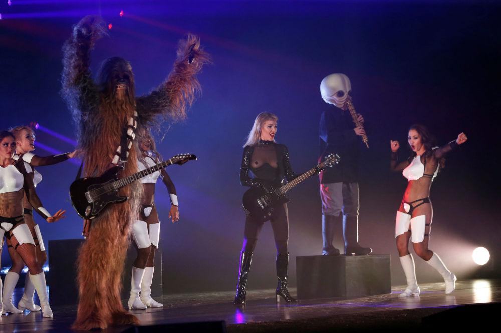 Pokaz burleski w stylu Gwiezdnych wojen w Los Angeles
