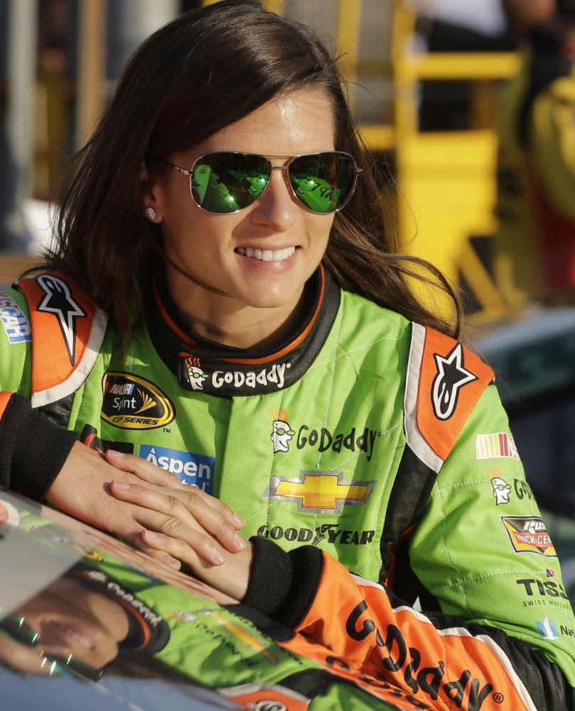 Amerykańska zawodniczka Danica Patrick na wyścigach samochodowych w Concordzie