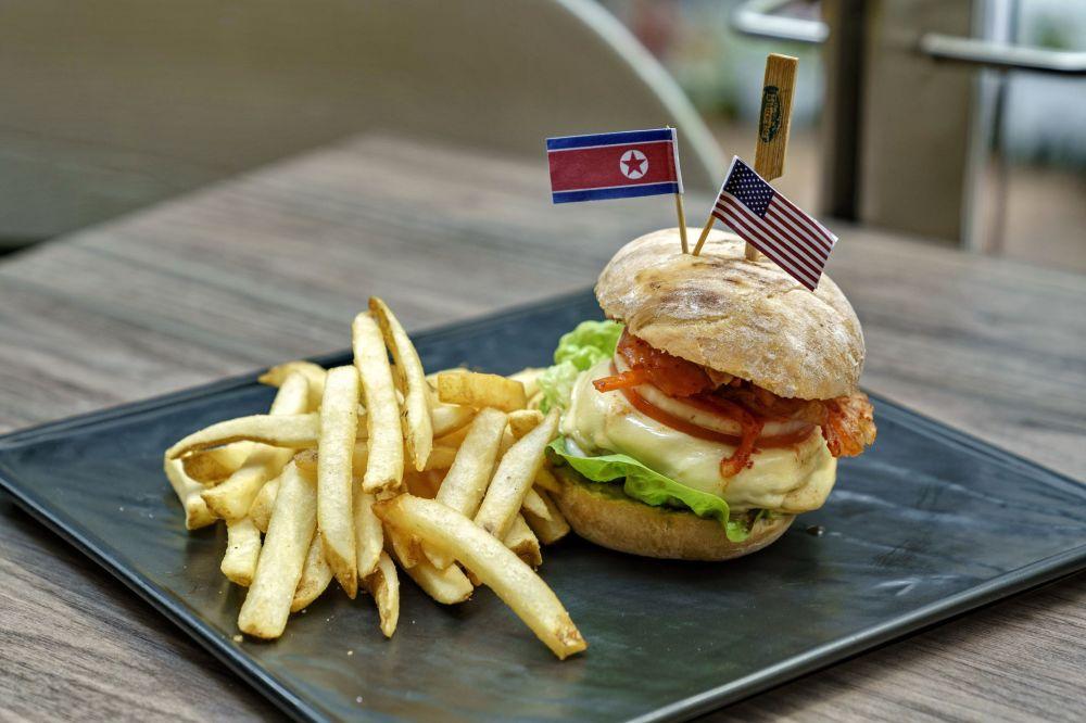 Kowbojski kimchi burger