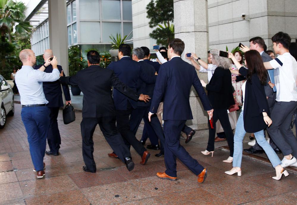 Amerykańska delegacja po spotkaniu w Singapurze
