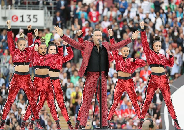 Robbie Williams na ceremonii otwarcia Mistrzostw Świata w Piłce Nożnej w Rosji 2018