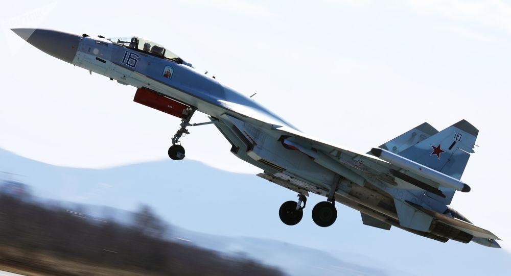 Myśliwiec S-35 na wyścigach pilotów wojennych Aviadarts-2018