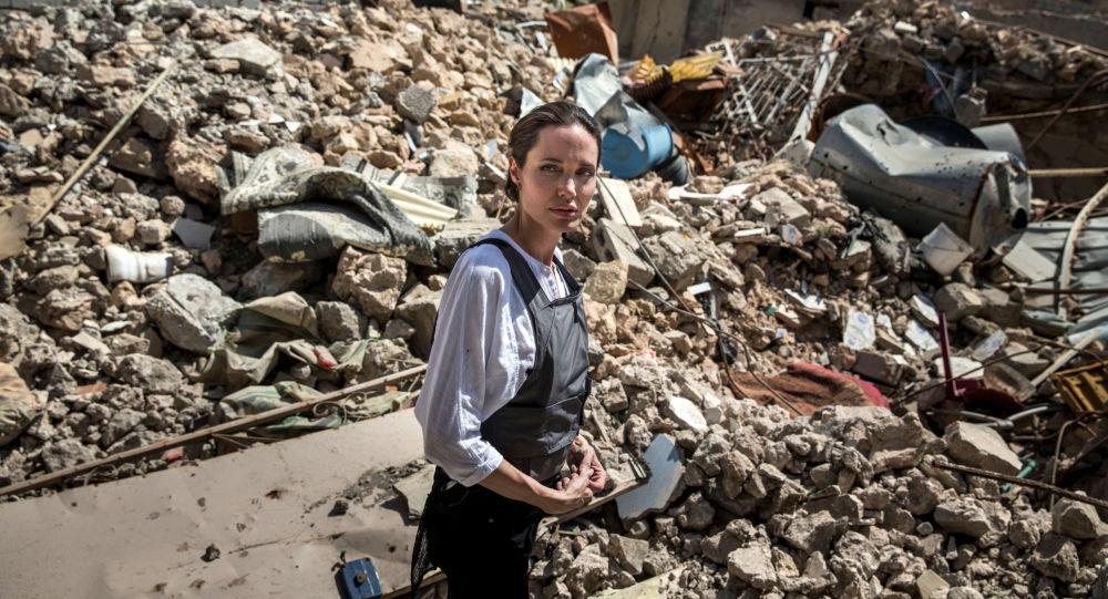 Angelina Jolie w Mosulu