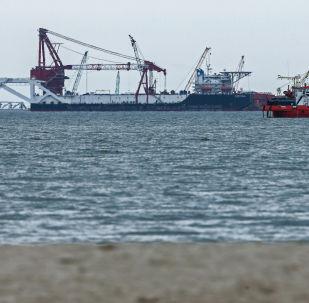 """Flota firmy """"Lukoil-Morneftegaz"""" podczas opracowania pola naftowego w obwodzie kaliningradzkim"""