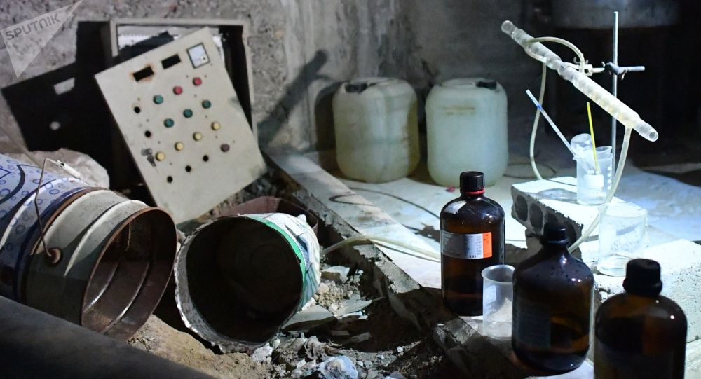 Laboratorium chemiczne bojowników w syryjskim mieście Duma