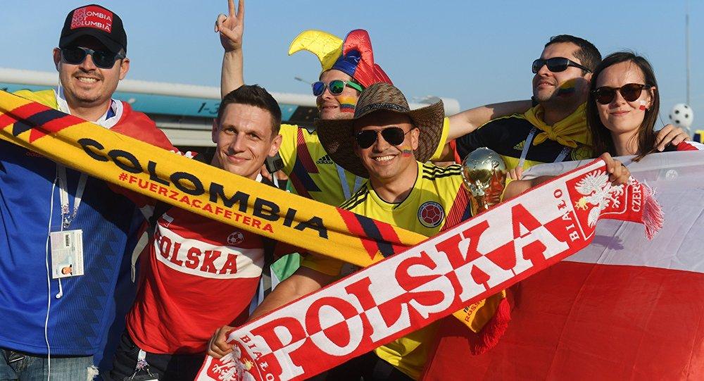Kibice Polski i Kolumbii przed meczem w Kazaniu