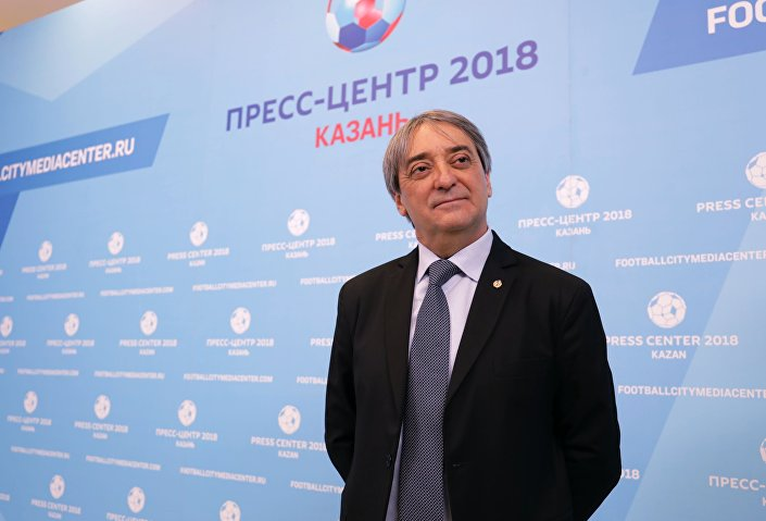 Minister sportu Urugwaju Fernando Caceres w centrum prasowym Mistrzostw Świata w Piłce Nożnej 2018 w Kazaniu