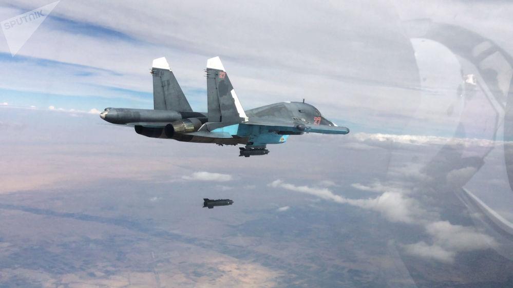 Samolot Su-34 podczas operacji w Syrii