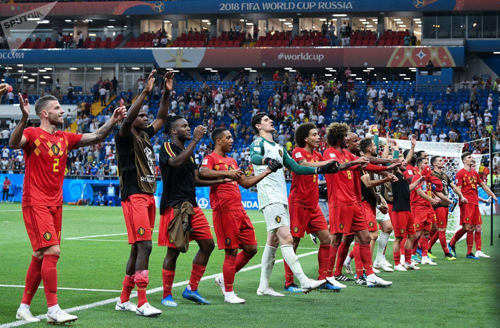 Belgijska reprezentacja cieszy się ze zwycięstwa nad Japonią