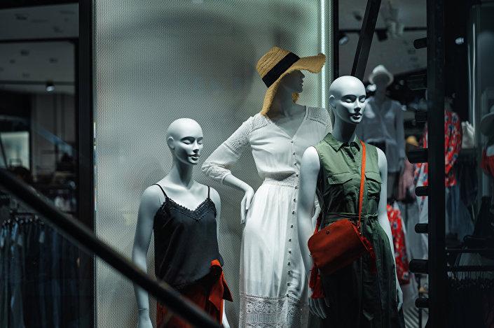 Manekiny w sklepie Reserved