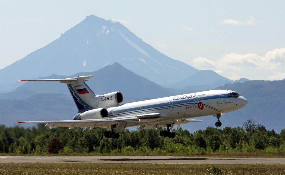 Samolot średniego zasięgu Tu-154