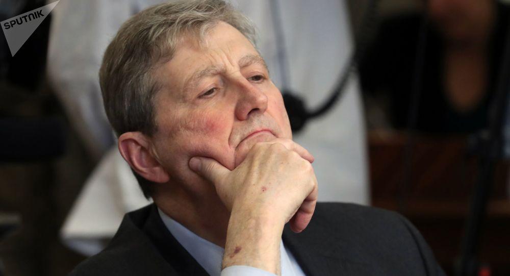 Senator z Luizjany John Kennedy