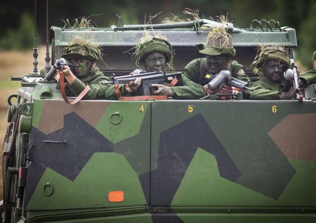 Szwedzcy wojskowi. Zdjęcie archiwalne