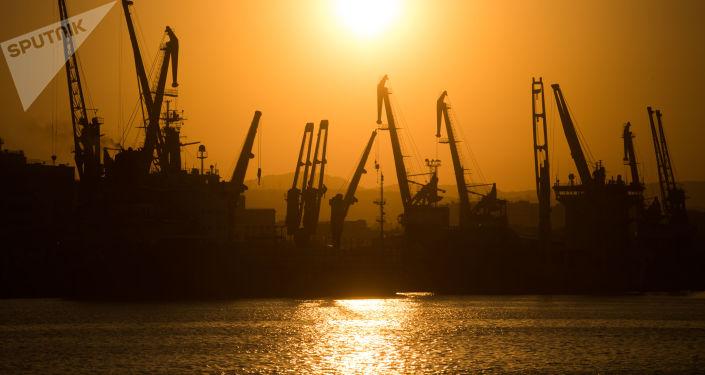 Noworosyjski morski port handlowy na Morzu Czarnym