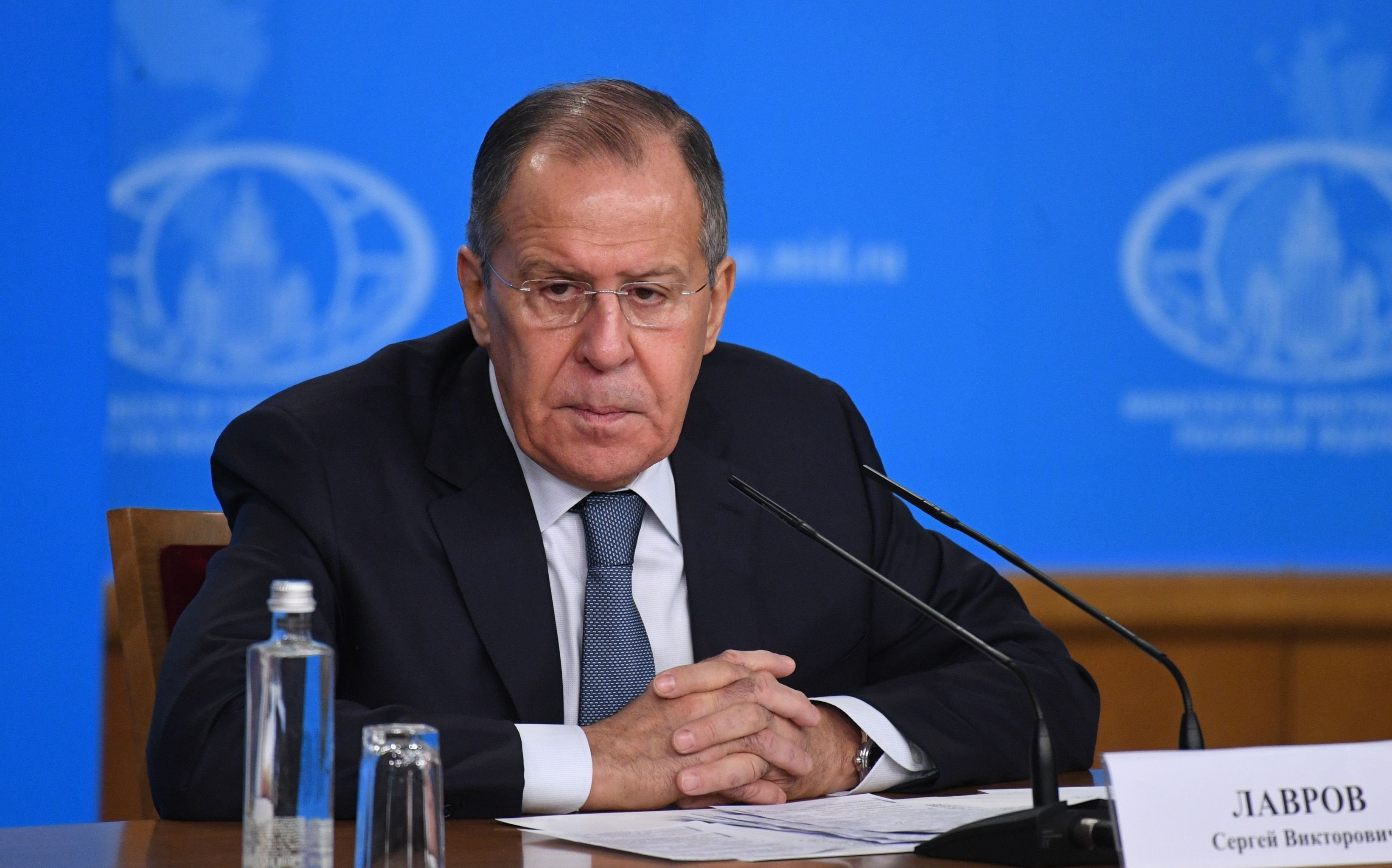 Rosyjski minister spraw zagranicznych Siergiej Ławrow na konferencji prasowej