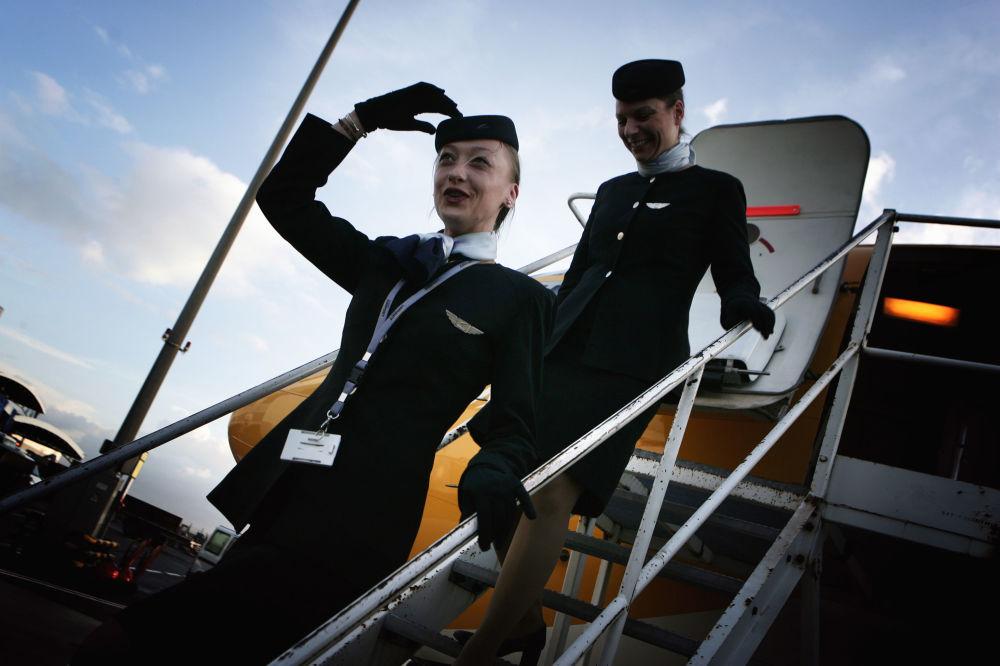 Stewardessy linii lotniczych Europe Airpost