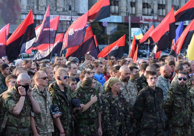 Uczestniczy Wiecu Ludowego Prawy Sektor w Kijowie