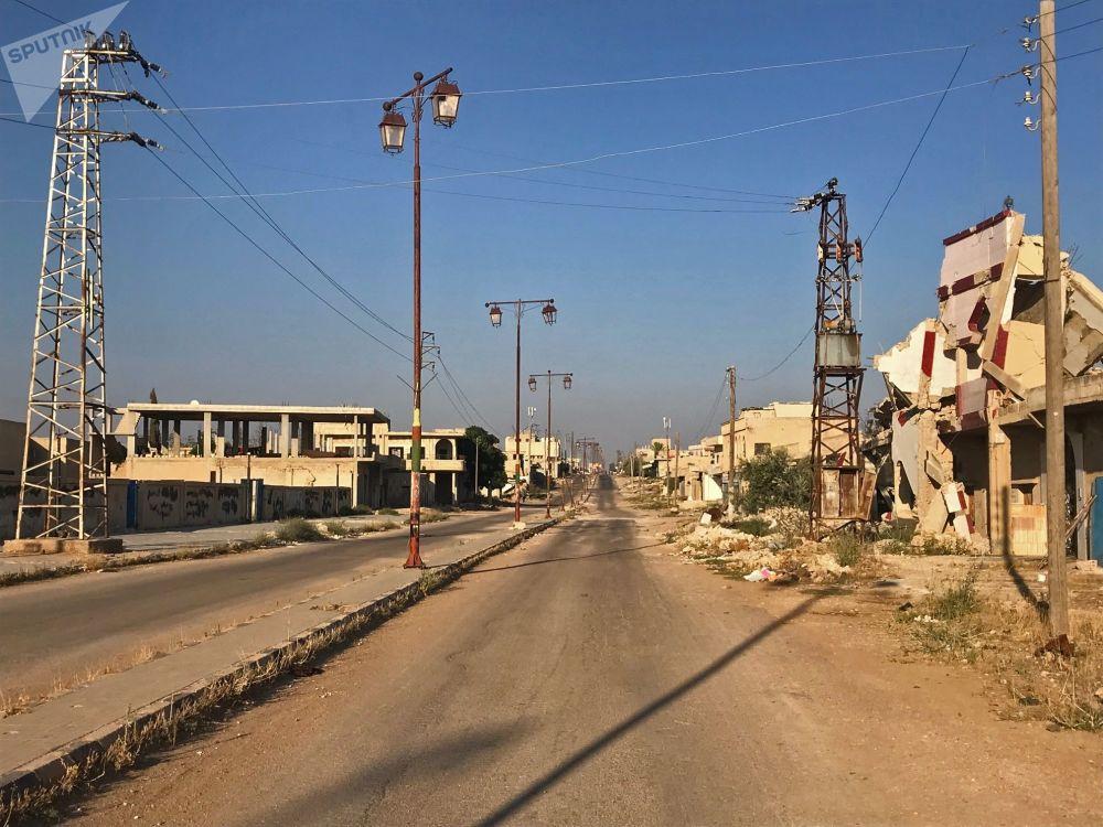 Główna ulica syryjskiej wioski Alma. Mieszkańcy wrócili do swoich domów po wyzwoleniu od terrorystów