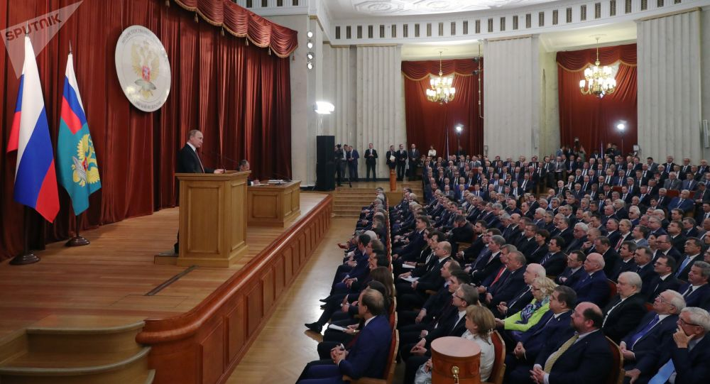 Prezydent Rosji Władimir Putin na naradzie z udziałem ambasadorów i stałych przedstawicieli Federacji Rosyjskiej