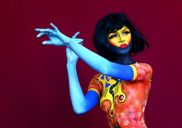 Modelka na Światowym Festiwalu Malowania Ciała w Austrii