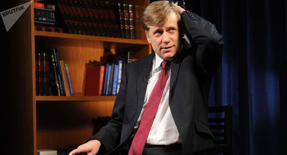 Ambasador USA w Rosji Michael McFaul odpowiada na pytania dziennikarzy