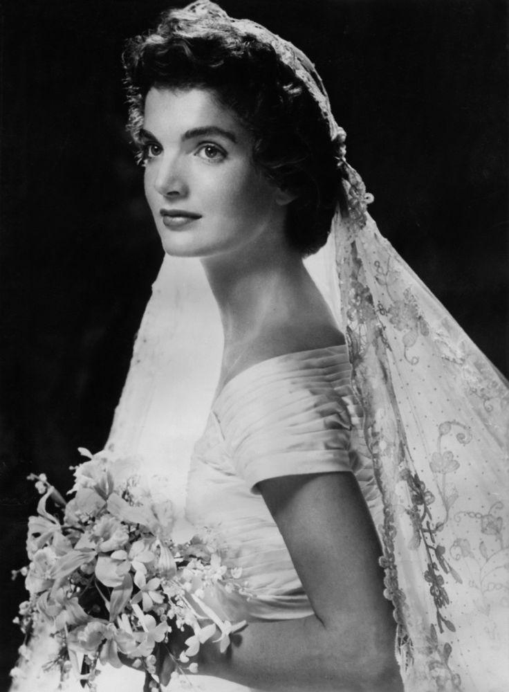 Jacqueline Kennedy w dzień ślubu, 1953 r.