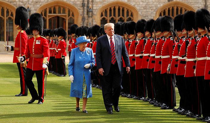 Donald Trump i królowa Elżbieta